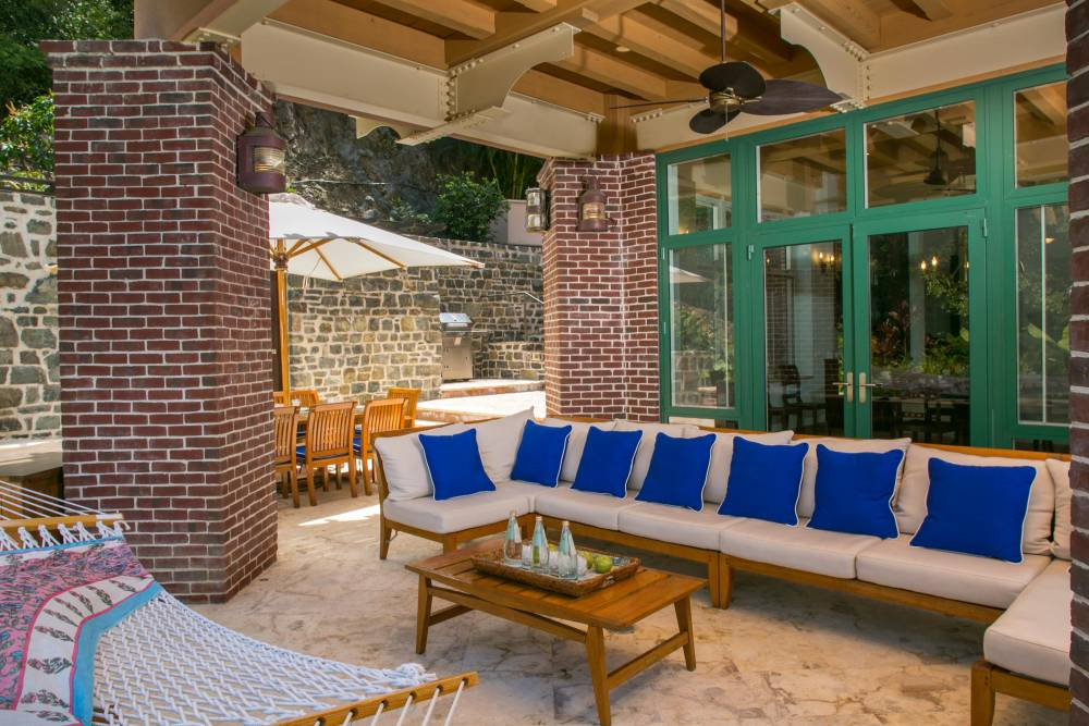 Outdoor Lounging and Dining