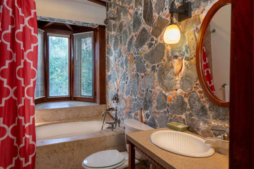 3rd BR - bath with tub and shower