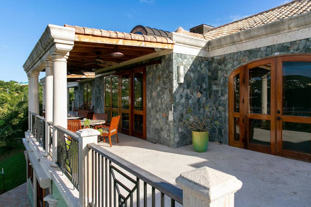 Main level exterior dining and deck